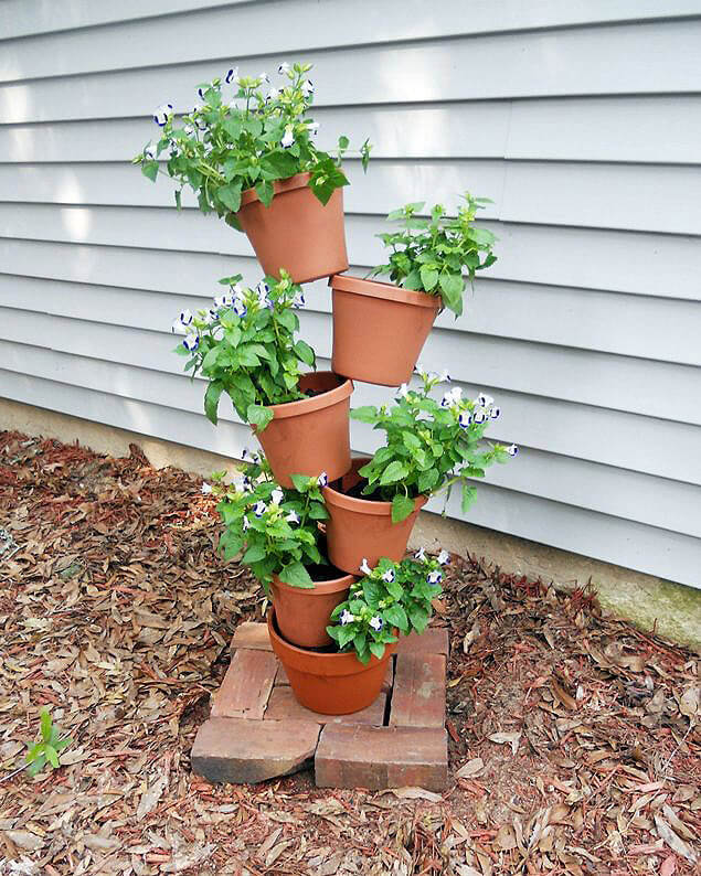 DIY Flower Towers Ideas: Precarious Pots of Fabulous Flowers