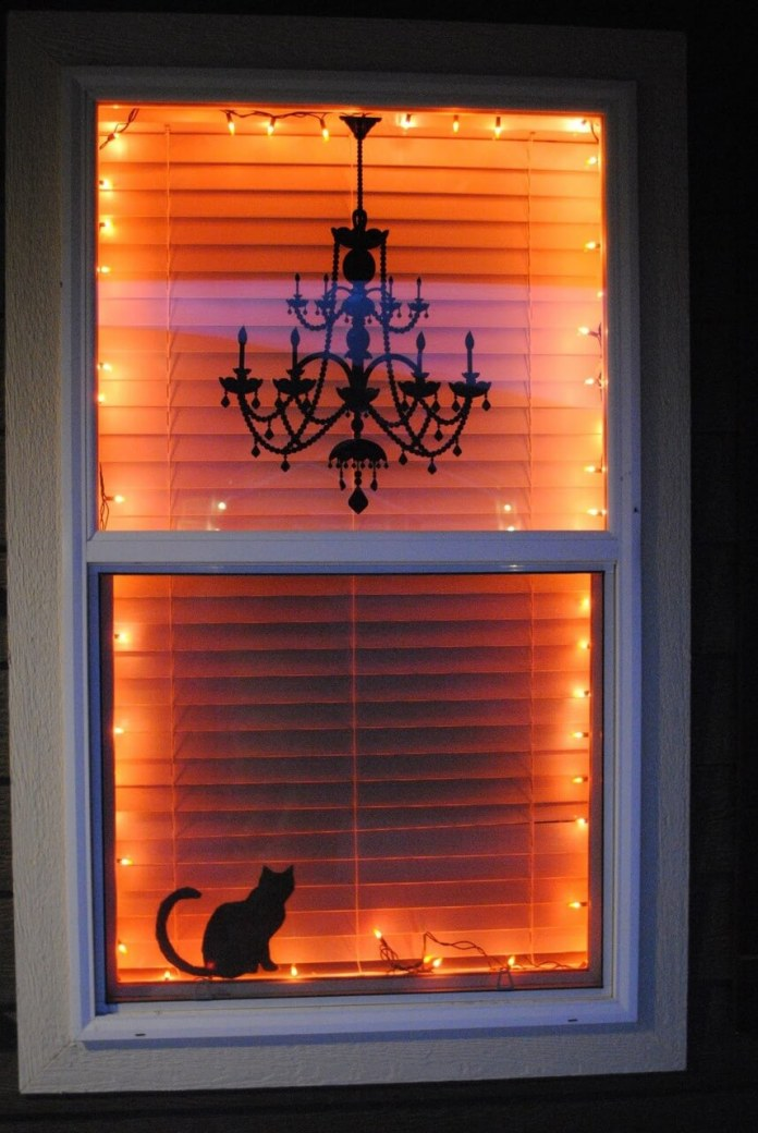 Black Cat Silhouette Halloween Decoration | DIY Halloween Window Decoration Ideas