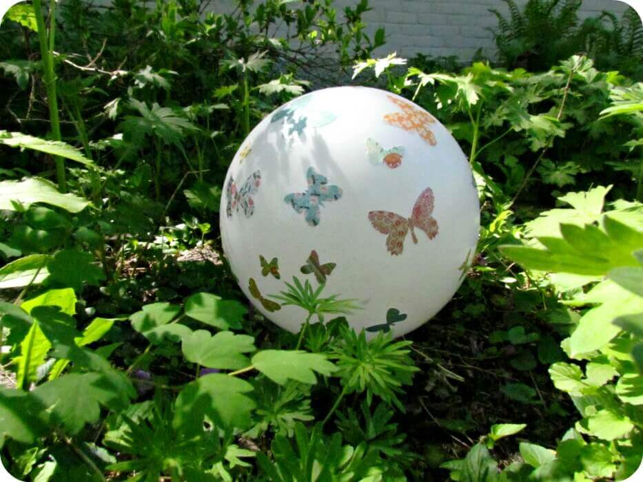 Ball Scattered with Lovely Butterflies | DIY Garden Ball Ideas
