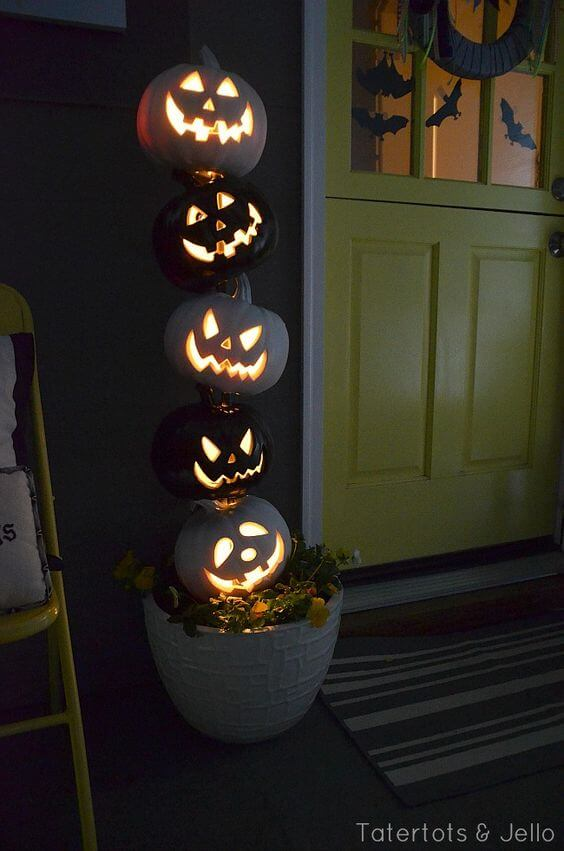 Stacked Evil Pumpkins | Scary DIY Halloween Porch Decoration Ideas | vintage halloween porch