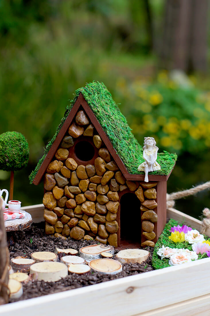 Suspended Summer DIY Fairy Garden Ideas | fairy garden accessories | miniture fairy garden ideas inspiration | homemade fairy garden decorations