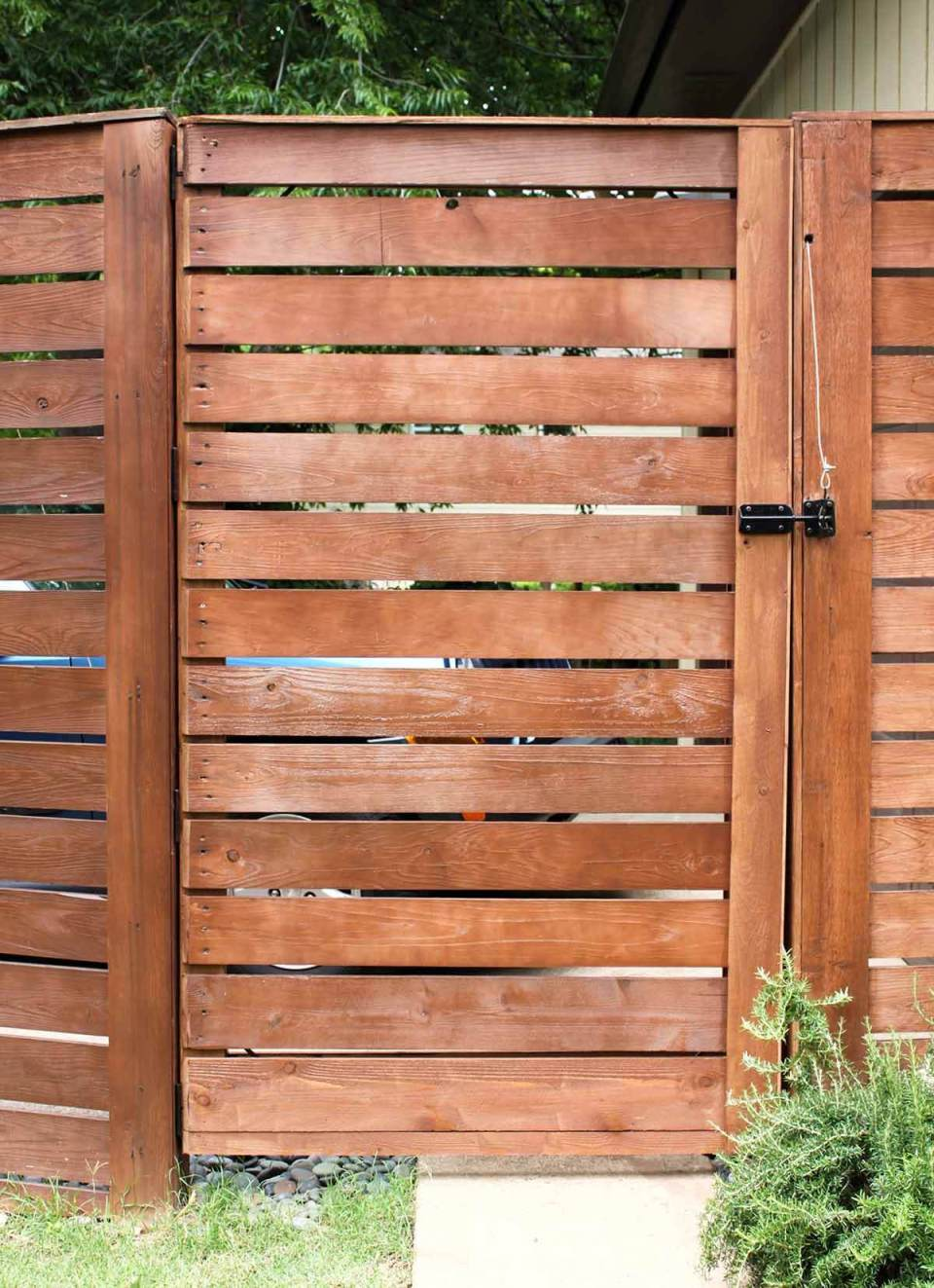 DIY Fence Ideas: Tall Cedar Wood Plank Fence