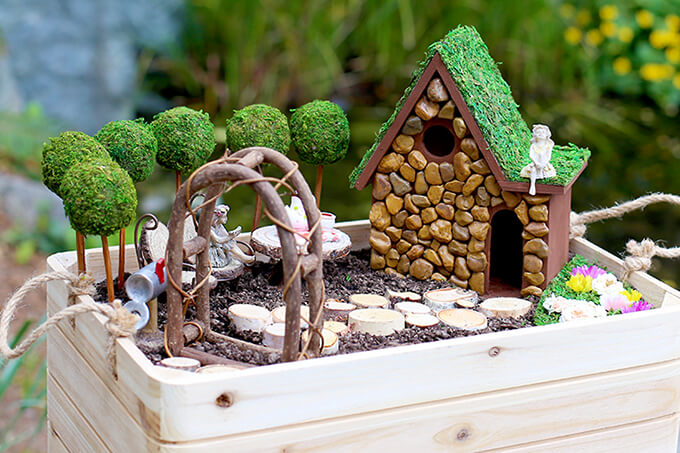 Primly Pacific Northwest Inspired Fairy Garden | fairy garden accessories | miniture fairy garden ideas inspiration | homemade fairy garden decorations