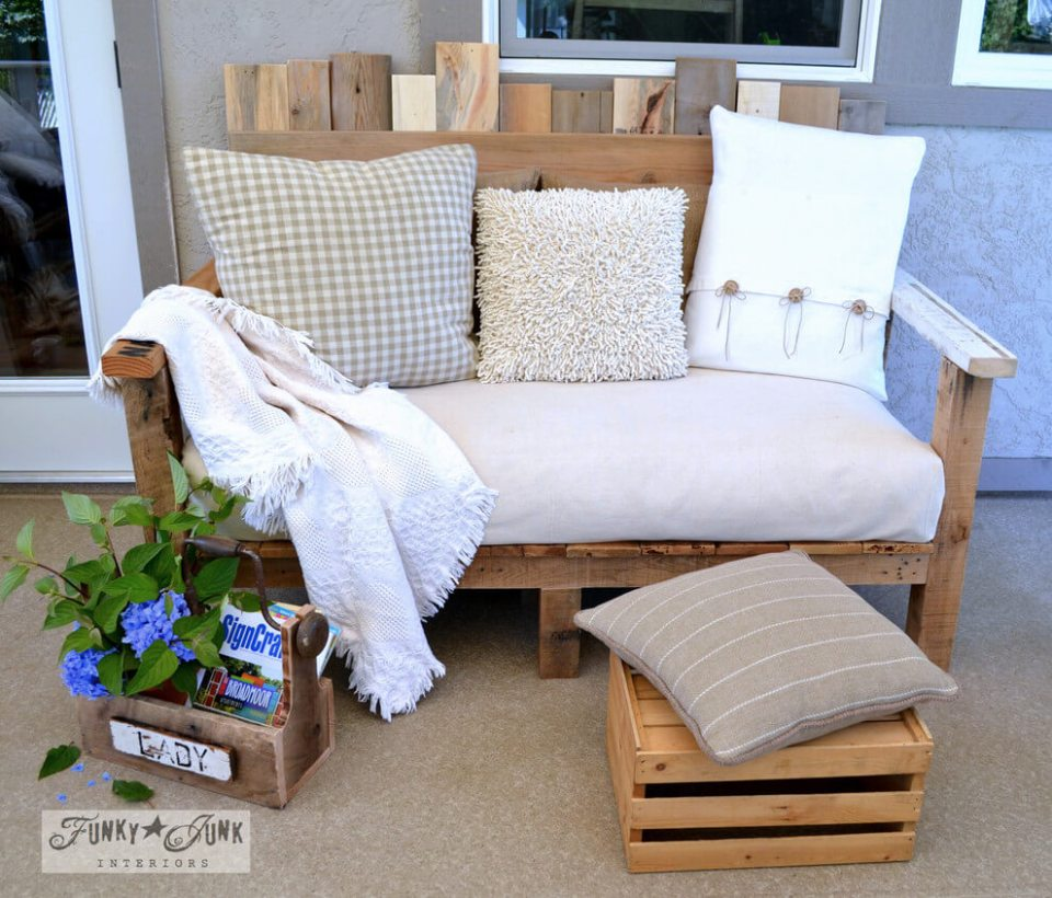 Outdoor DIY Bench Ideas: Extra Comfy Shabby Chic Bench