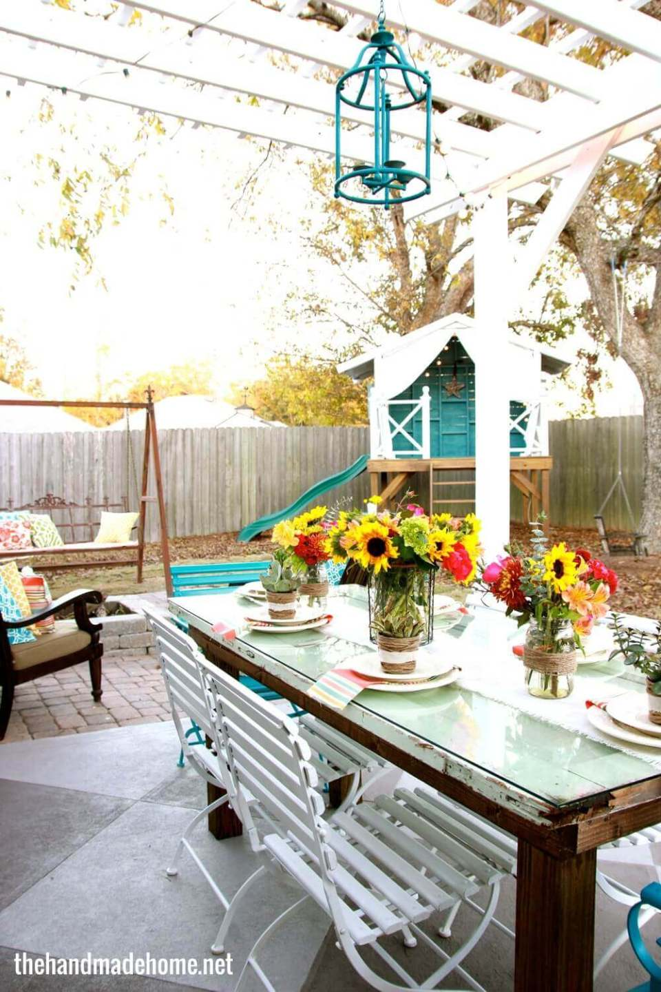 Old Doors make Elegant Dining Tables | Creative Repurposed Old Door Ideas & Projects For Your Backyard