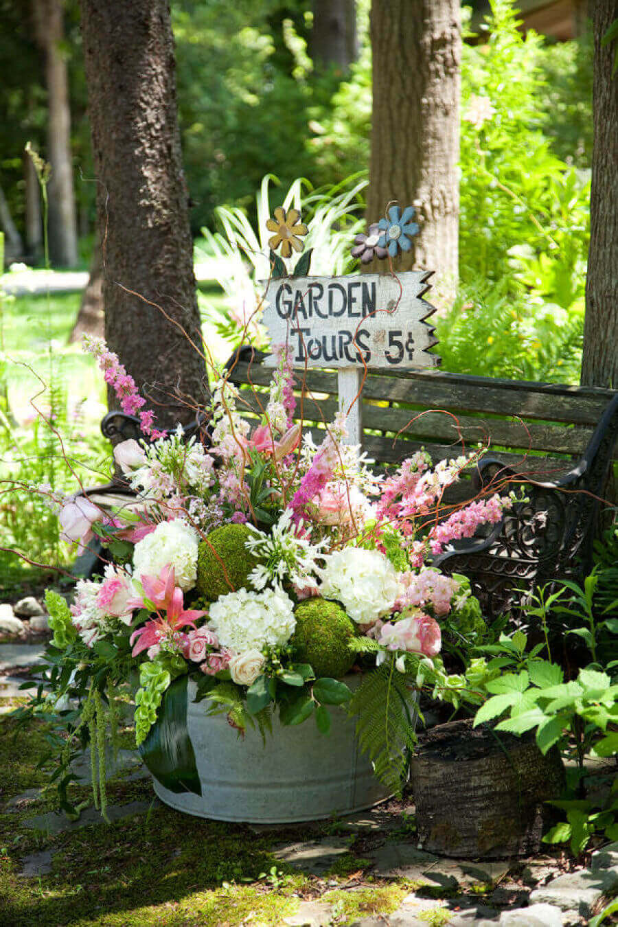Garden Tours Sign in a Blooming Container   Funny DIY Garden Sign Ideas