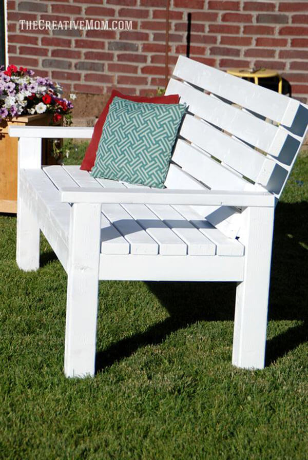 Outdoor DIY Bench Ideas: By-The-Seaside Cottage Bench