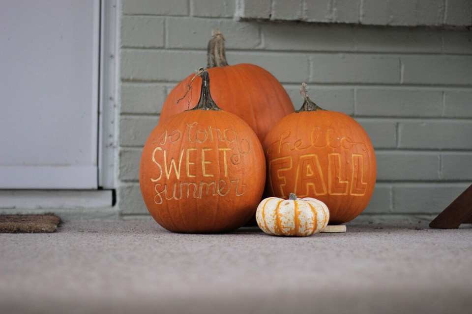 DIY Pumpkin Carving Ideas: Writing On The Pumpkin