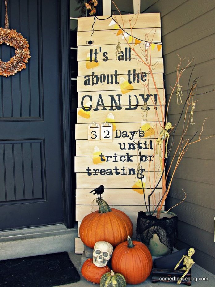 Halloween Door Decoration Ideas: Halloween Candy Countdown