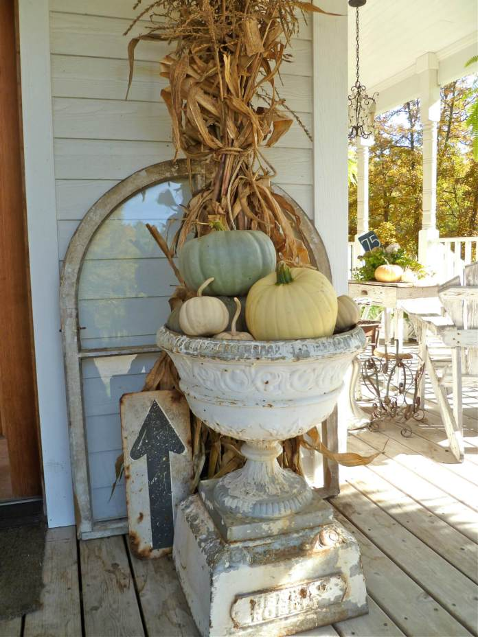 Stunning Fall Urn & Found Sign Decorations | Vintage Porch Decor Ideas