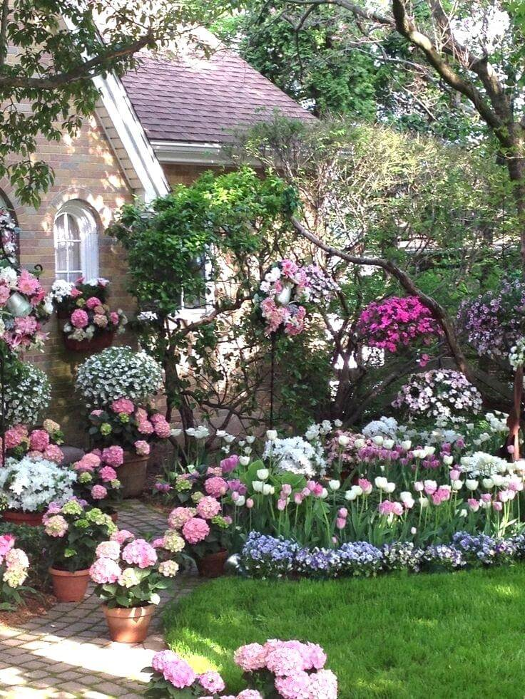 Dramatic Pink and White Display