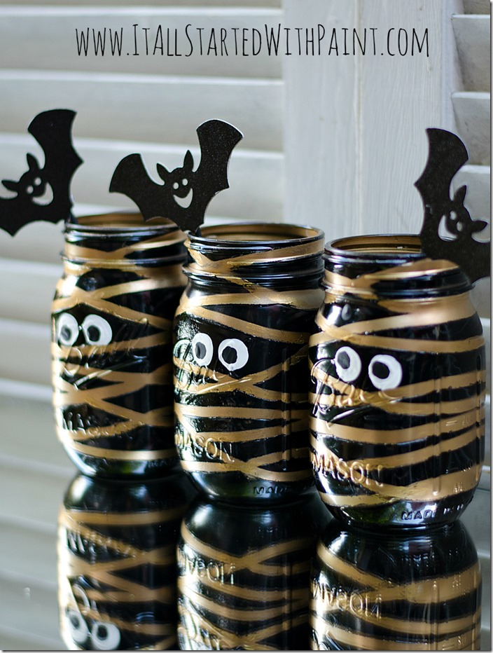 DIY Mason Jar Halloween Crafts: Mummy Mason Jars