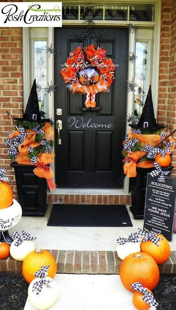 Halloween Door Decoration Ideas: Witch's Wreath Halloween Door Idea