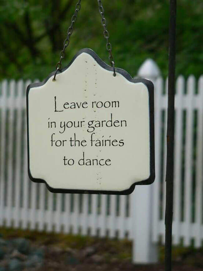 Sweet Message on a Hanging Sign   Funny DIY Garden Sign Ideas