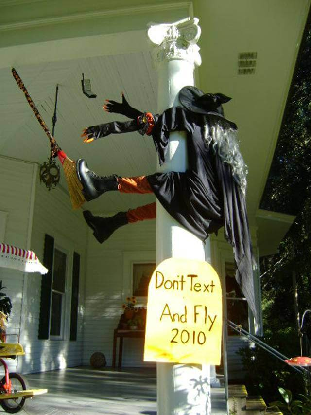 Nothing Like Humor to Attract Visitors | Scary DIY Halloween Porch Decoration Ideas | vintage halloween porch