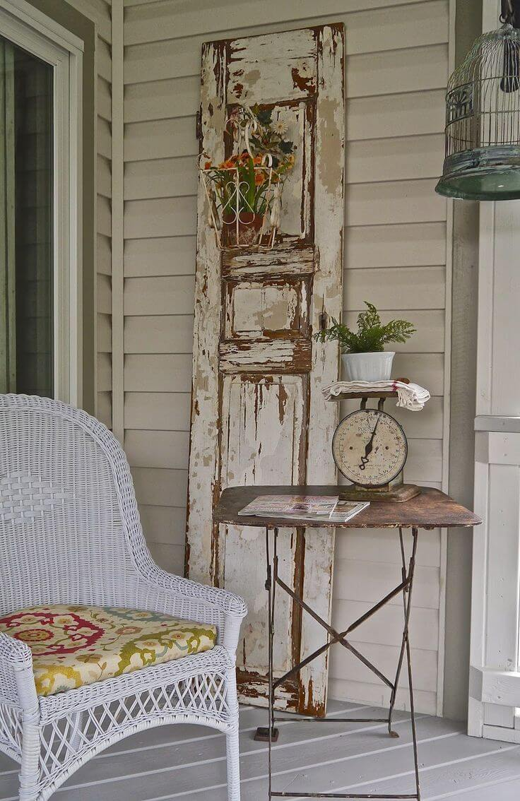Another Great Old Door Decorating Idea | Vintage Porch Decor Ideas