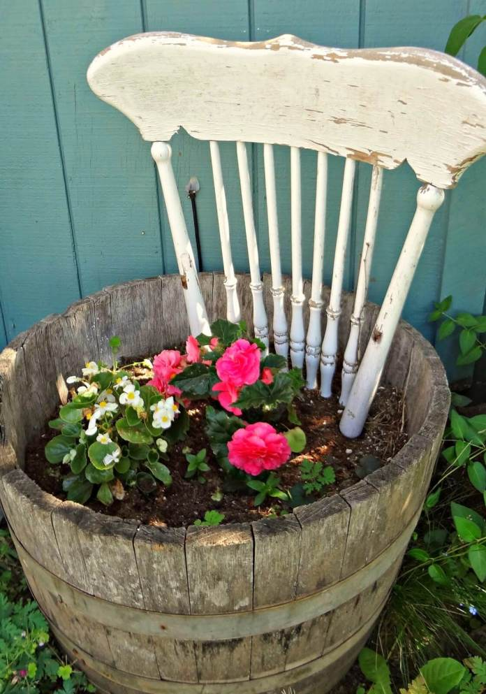 Cottage Style Garden Ideas for Upcycling