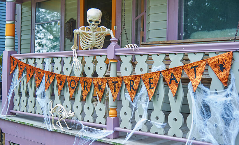 Why Don't You Join Us?   Scary DIY Halloween Porch Decoration Ideas   vintage halloween porch