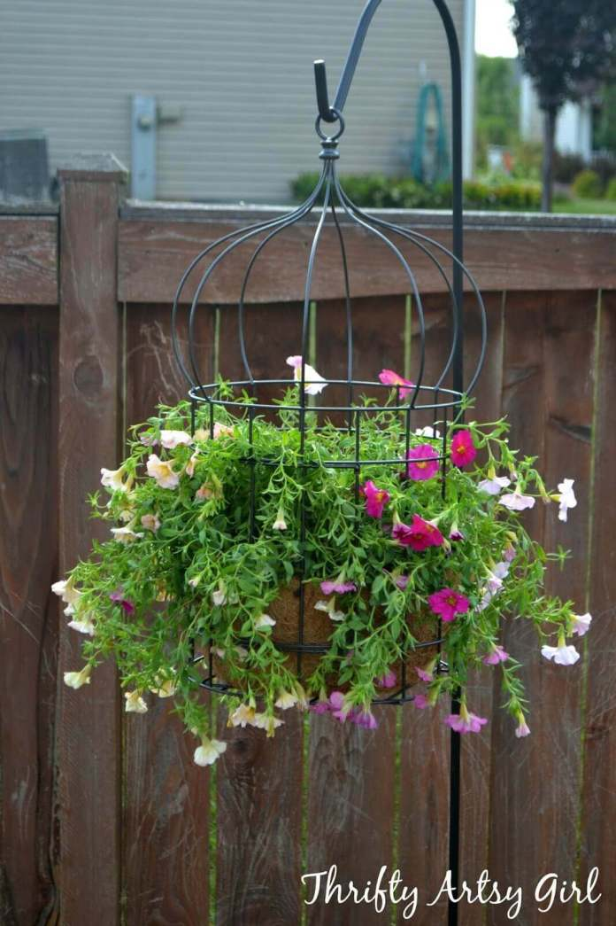 Hanging Wire Flower Pot Cage | DIY Outdoor Hanging Planter Ideas | Plant Pot Design Ideas
