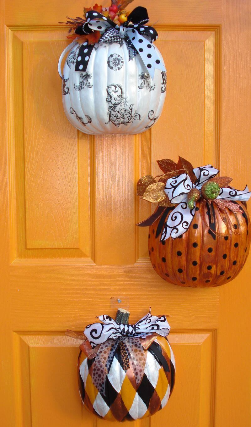 Halloween Door Decoration Ideas: Elegant Pumpkin Trio