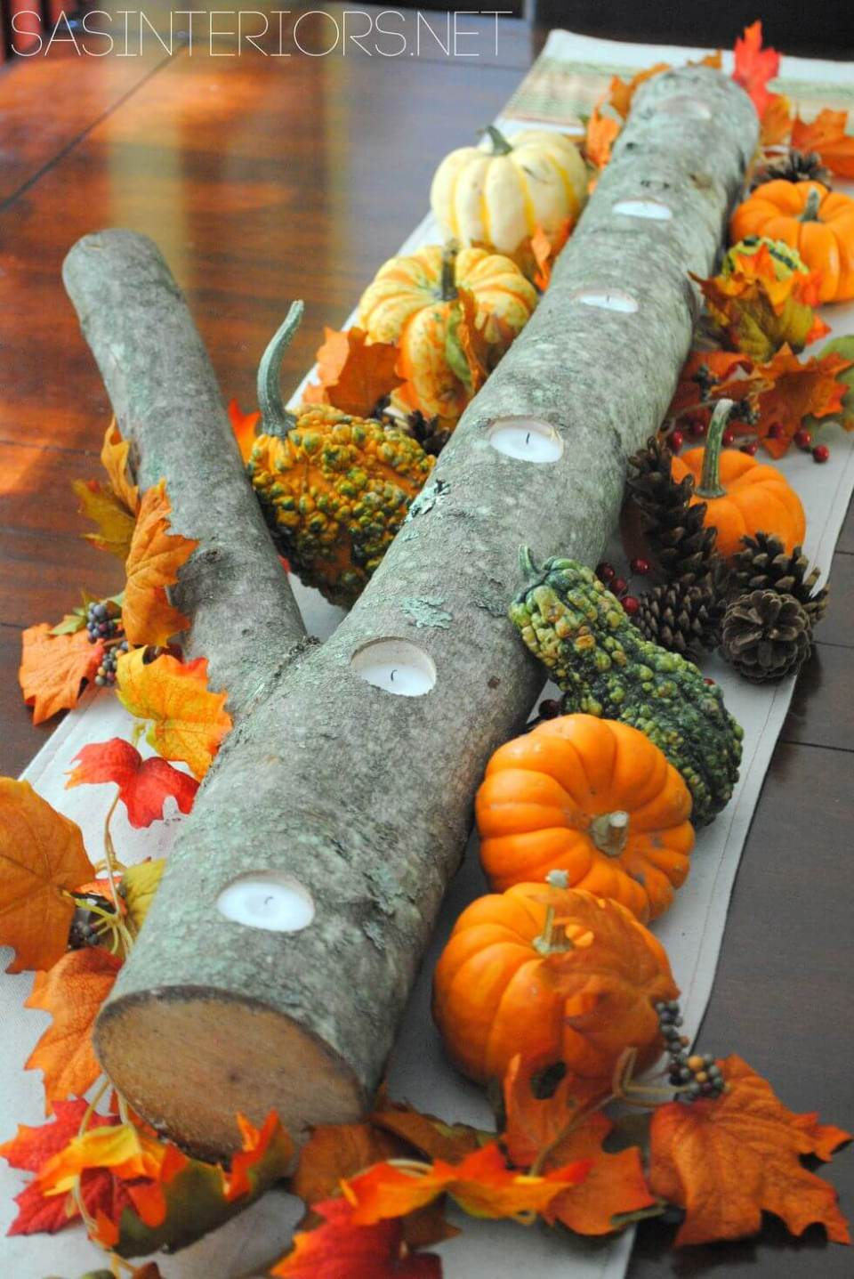 Autumn Log | Best DIY Fall Centerpiece Ideas | FarmFoodFamily.com