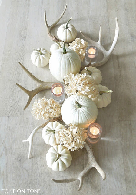 Fall Accents | Best DIY Fall Centerpiece Ideas | FarmFoodFamily.com
