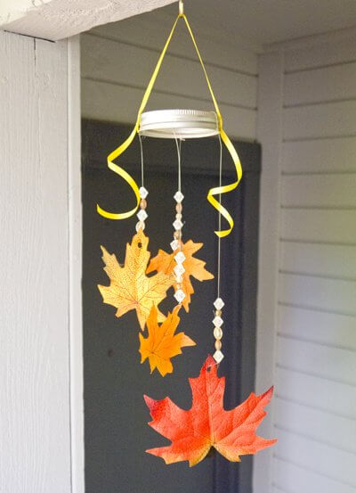 Fall Leaf Mobile | DIY Fall-Inspired Home Decorations With Leaves - FarmFoodFamily