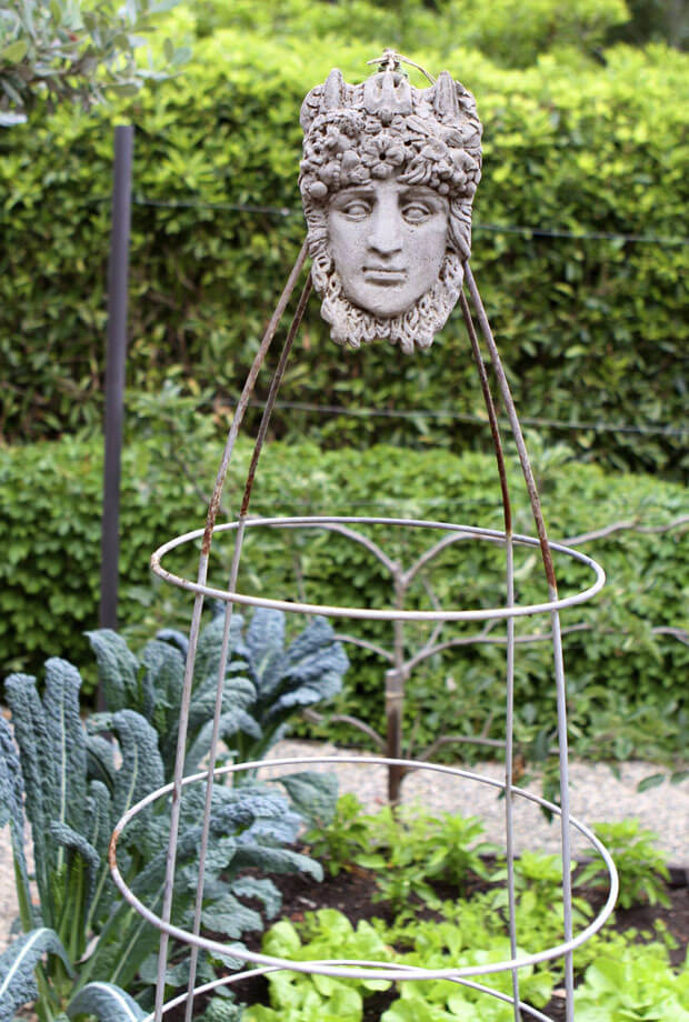 Sculpture Look DIY Trellis | Up-cycled Trellis Ideas For Garden