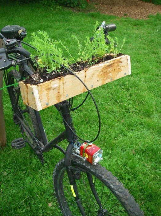 Rusted Mountain Bike | Bicycle Garden Planter Ideas For Backyards | FarmFoodFamily