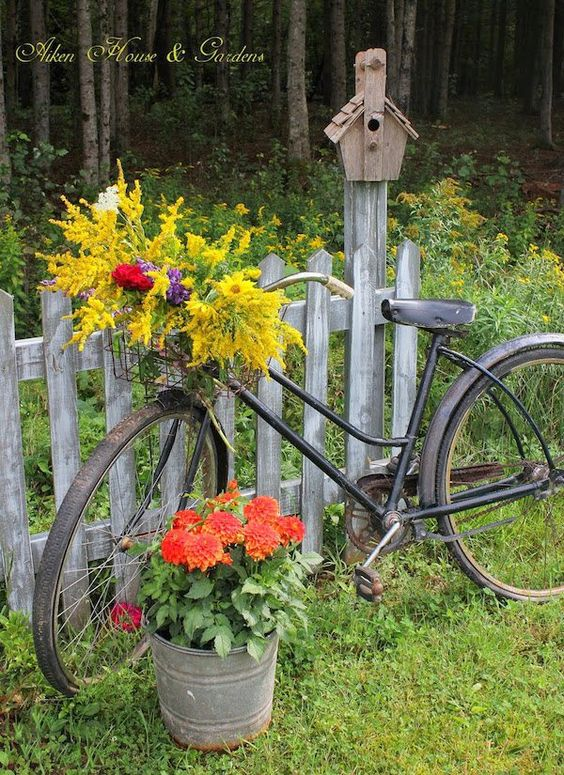 Upcycled Bicycle Planter   Bicycle Garden Planter Ideas For Backyards   FarmFoodFamily