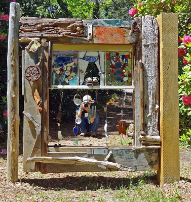 Whimsical Gates, Heritage Museums and Gardens | DIY Garden Gate Ideas