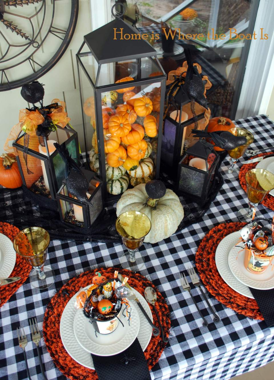 A Jolly Halloween | Fun & Spooky Halloween Table Decoration Ideas - FarmFoodFamily.com