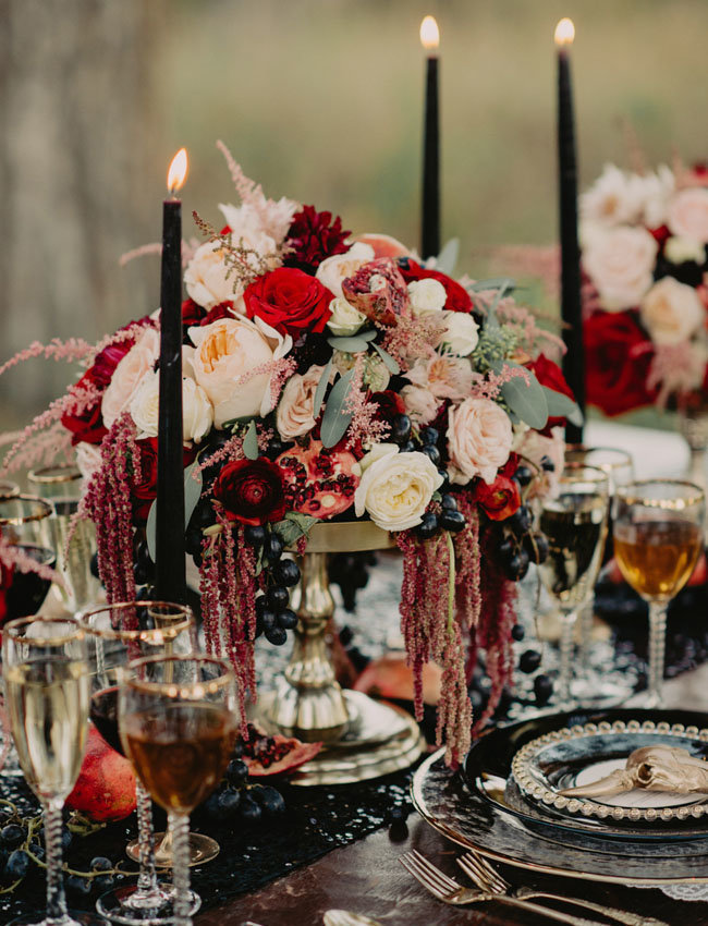 A killer Halloween Wedding | Halloween Wedding Theme Ideas - Farmfoodfamily.com