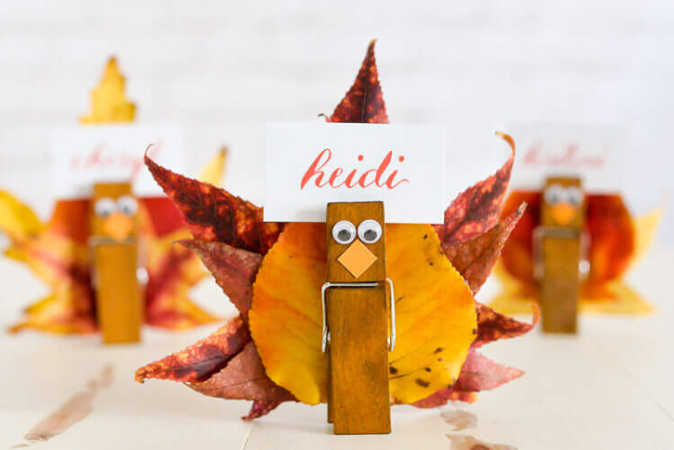 Turkey place card holders | Thanksgiving Gifts Kids Can Make - FarmFoodFamily.com
