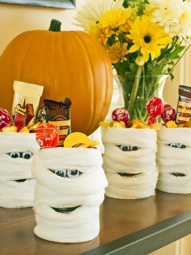 Party Favor: Mummy Candy Cans | Halloween Party Themes For Adults