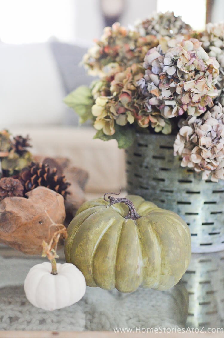 How to paint pumpkins | No-Carve Pumpkin Decorating Ideas For This Halloween