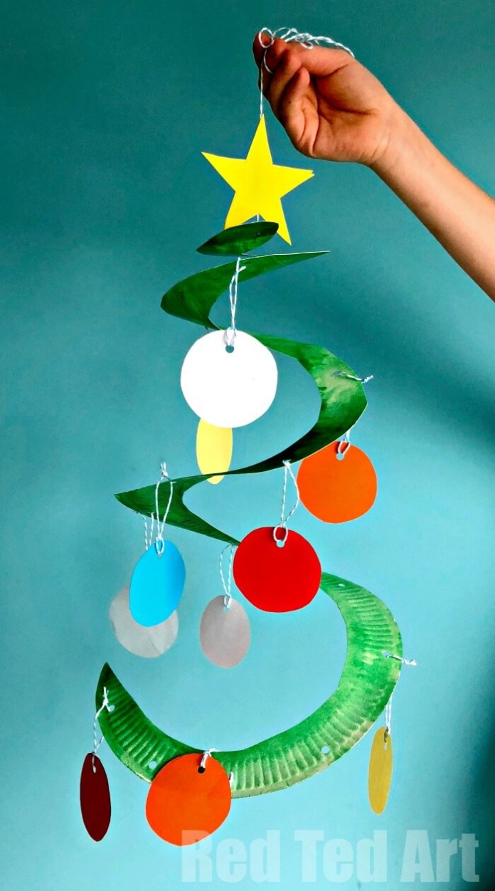 Paper plate Christmas tree whirligig | Easy, Inexpensive, and Creative Christmas Crafts for Kids