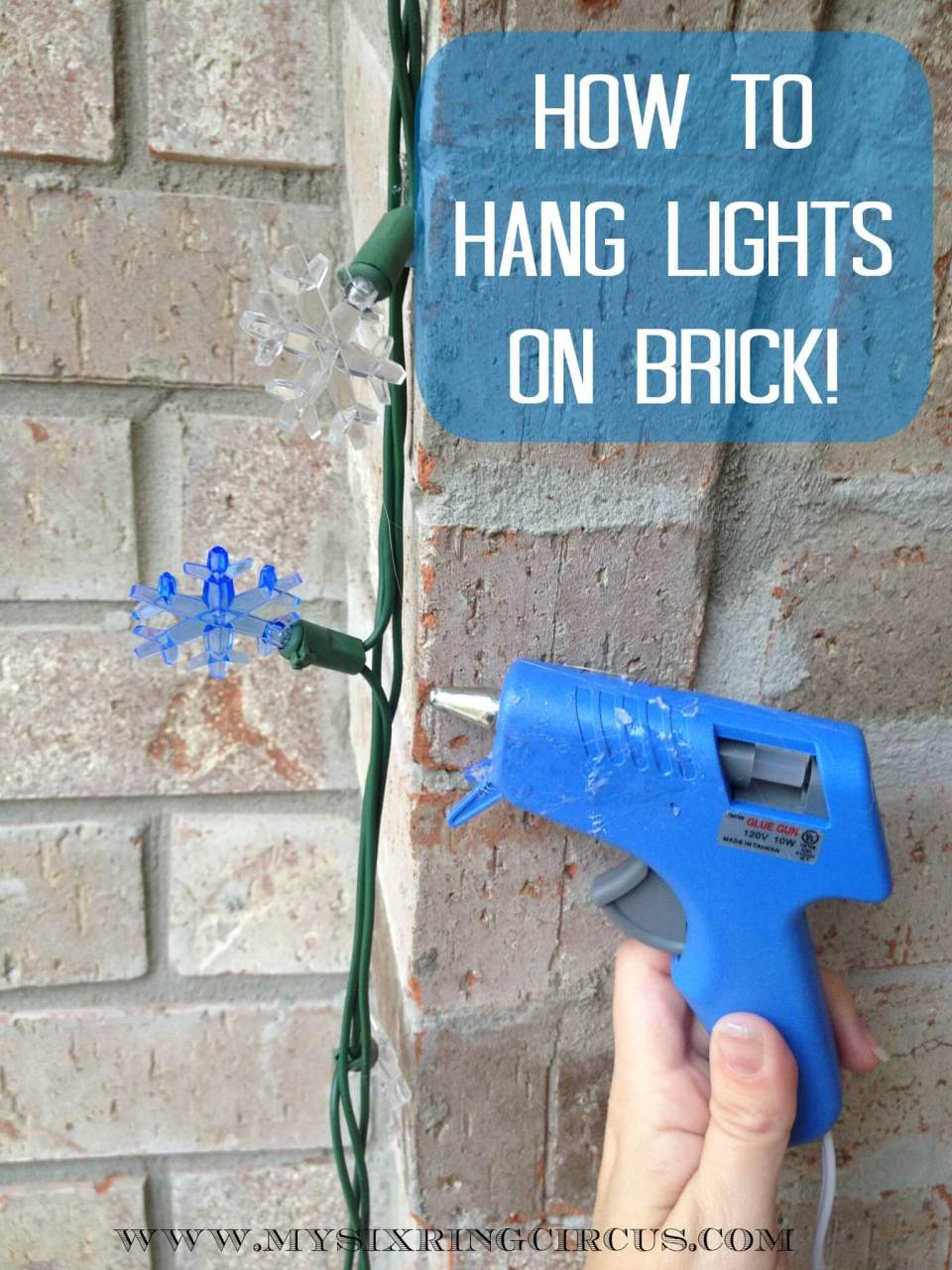 Hanging Lights on Brick | Last Minute Christmas Ideas and Hacks