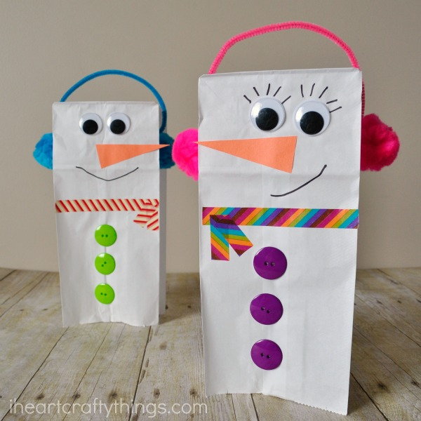 Paper bag snowman puppet | Christmas Craft Ideas for Preschoolers