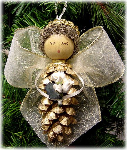 Pinecone Angels for the Christmas Tree