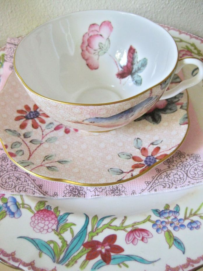 Home Decorating Ideas With Flowers: China tea cups