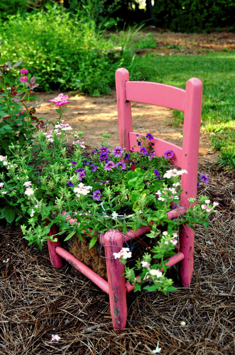 Pink chair planter | Creative Upcycled DIY Chair Planter Ideas For Your Garden