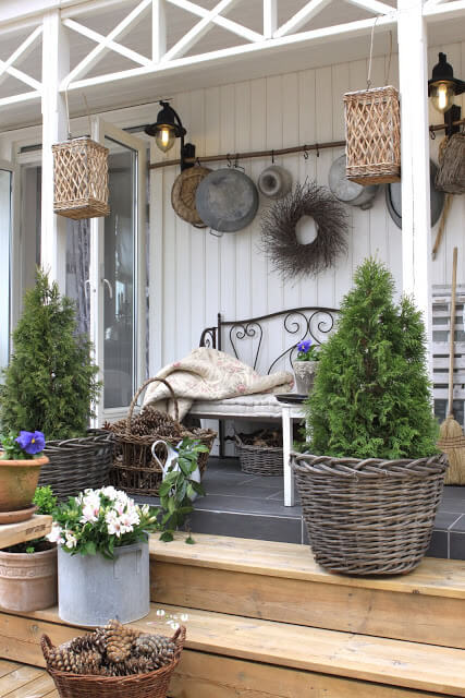 Light, Wreath, and pots | Best Outdoor Wall Decor Ideas