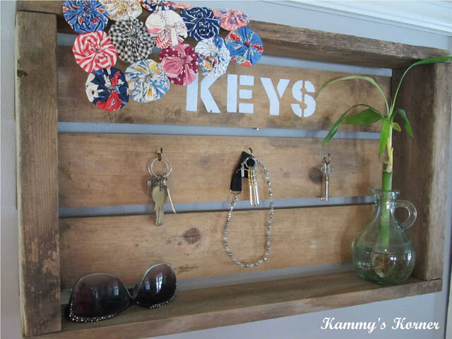Wall Crate With A Key Stencil | Best DIY Wood Crate Projects & Ideas