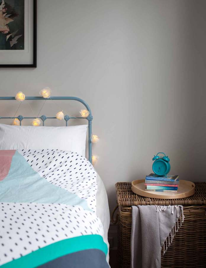 Headboard | Best Fairy Light Decoration Ideas