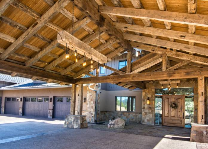 Rustic garage | Best Garage Lighting Designs & Ideas