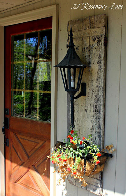 Panel side lamp | Trending & Vintage Porch Lighting Ideas & Designs | FarmFoodFamily.com