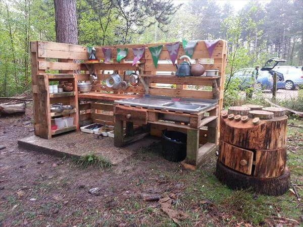 DIY Pallet Outdoor Kitchen | DIY Outdoor Kitchen Ideas (Cheap, Simple, Modern, and Country)