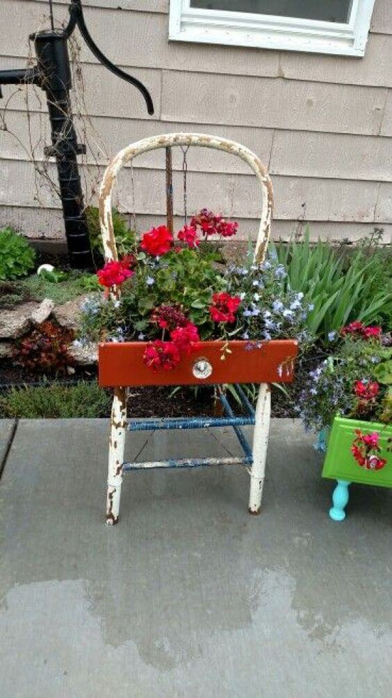 Drawer planter | Creative Upcycled DIY Chair Planter Ideas For Your Garden
