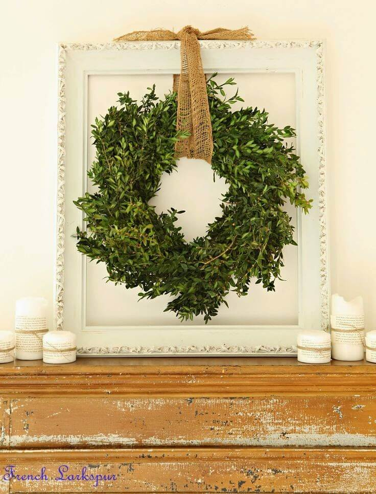 Elegant boxwood wreaths | Stunning Farmhouse Dining Room Design & Decor Ideas